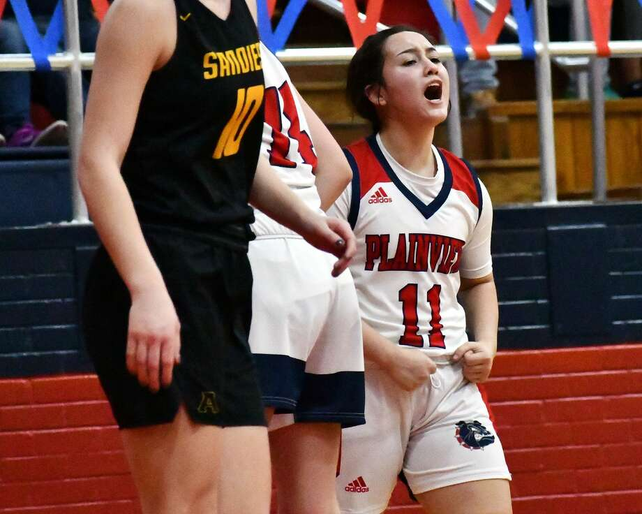 The Plainview Lady Bulldogs upset second-ranked Amarillo 71-70 on Friday in the Dog House. Photo: Nathan Giese/Planview Herald