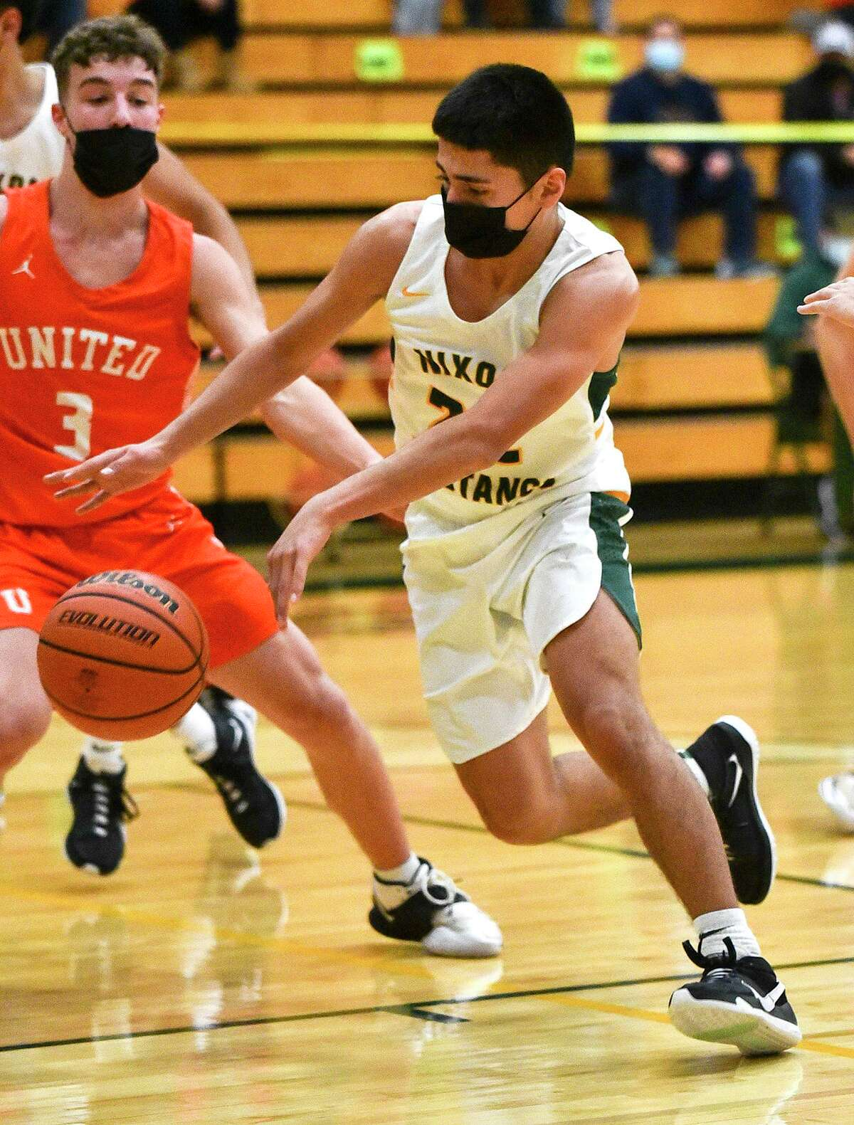 Nixon defeated United Friday to stay perfect in District 30-6A competition.