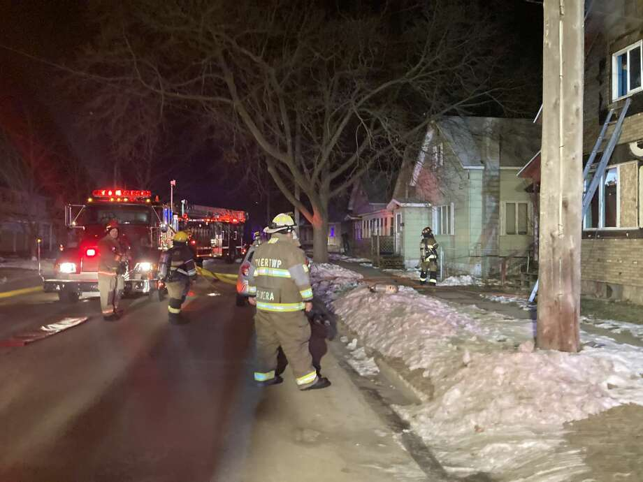 Firefighters and other emergency personnel responded to a fire on the 500 block of Davis Street just after 3 a.m. today. No injuries were reported. Photo: Courtesy Photo