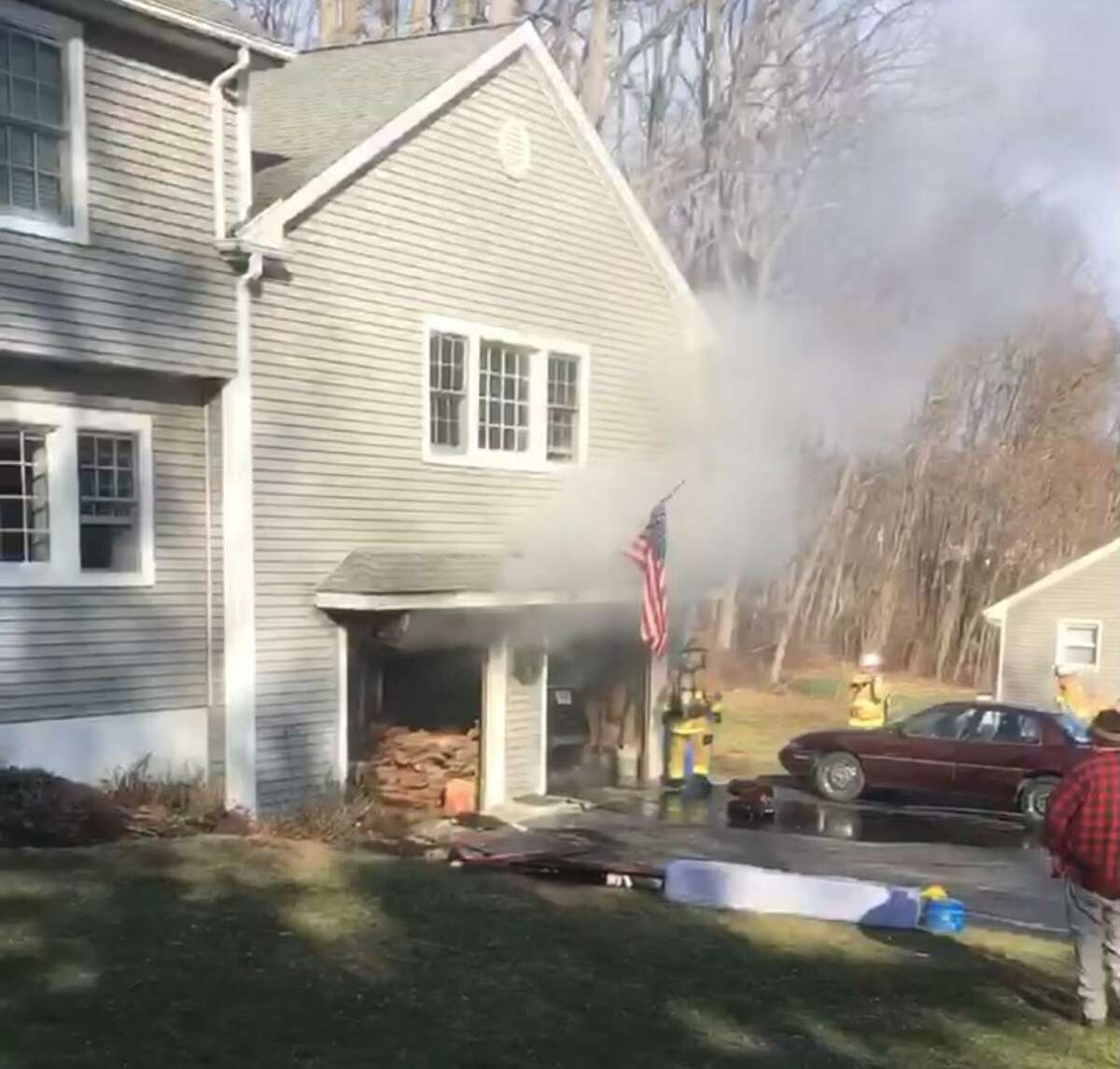 Firefighters quickly doused a garage fire Saturday, saving the main portion of the home at Capital Drive.