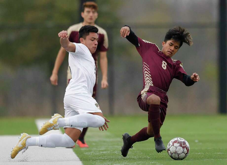 Magnolia West midfielder Yovany Portillo (8) scored the go-ahead goal for the Mustangs on Saturday against Klein Cain. Photo: Jason Fochtman, Houston Chronicle / Staff Photographer / Houston Chronicle © 2020