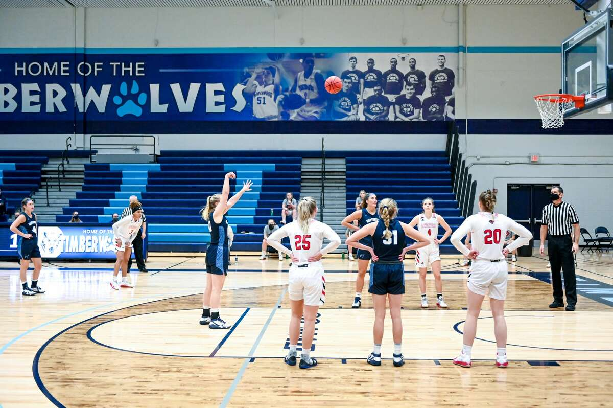 Northwood faces off against Davenport Saturday, Jan. 9, 2021 at Northwood University. (Adam Ferman/for the Daily News)