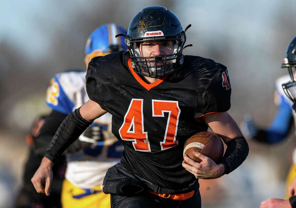 The Ubly Bearcats claimed their second straight regional championship and punched their ticket to the state semifinals on Saturday with a 36-6 win over Carson City-Crystal.