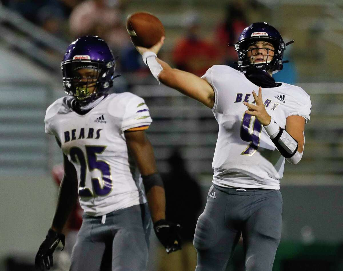 Montgomery quarterback Brock Bolfing (9) was named to the District 10-5A (Div. II) First Team. Adavion Johnson was named to the Second Team.