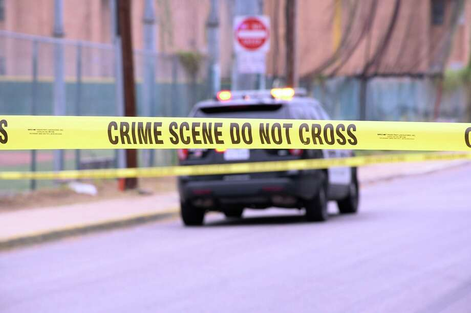 Crime scene tape blocked off the 1900 block of Plum Street and the 3000 block of North Buena Vista Avenue on Sept. 10, 2020 where a young female was found dead. Photo: Cuate Santos / Laredo Morning Times / Laredo Morning Times