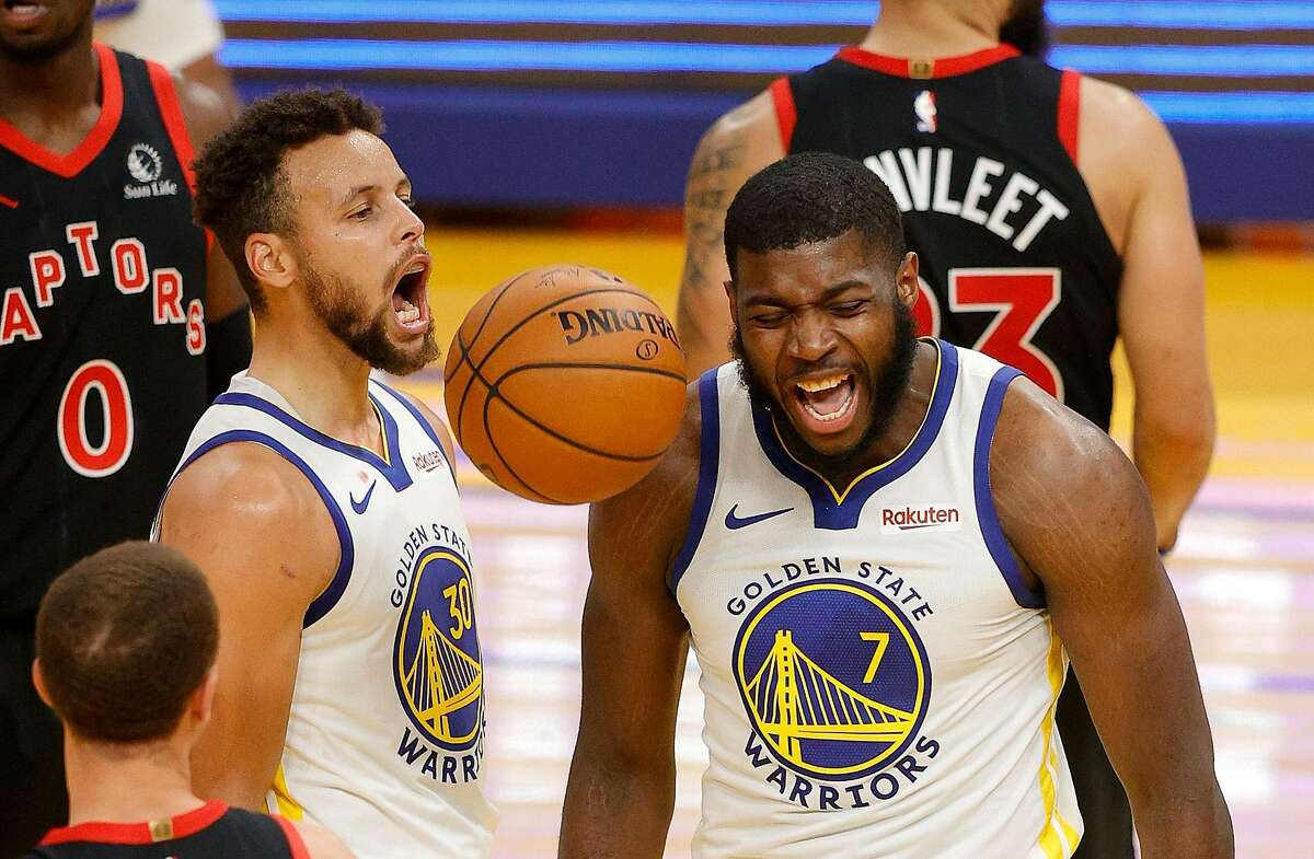 Eric Paschall (7) was forced to miss the Warriors' game against the Pacers on Tuesday, but has been cleared to return to the court.