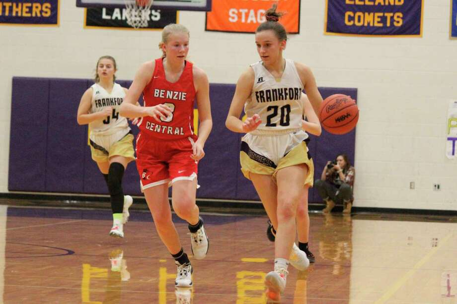 Reagan Thorr brings the ball up the court during a home game against Benzie Central on Jan. 10, 2020. (Record Patriot file photo)