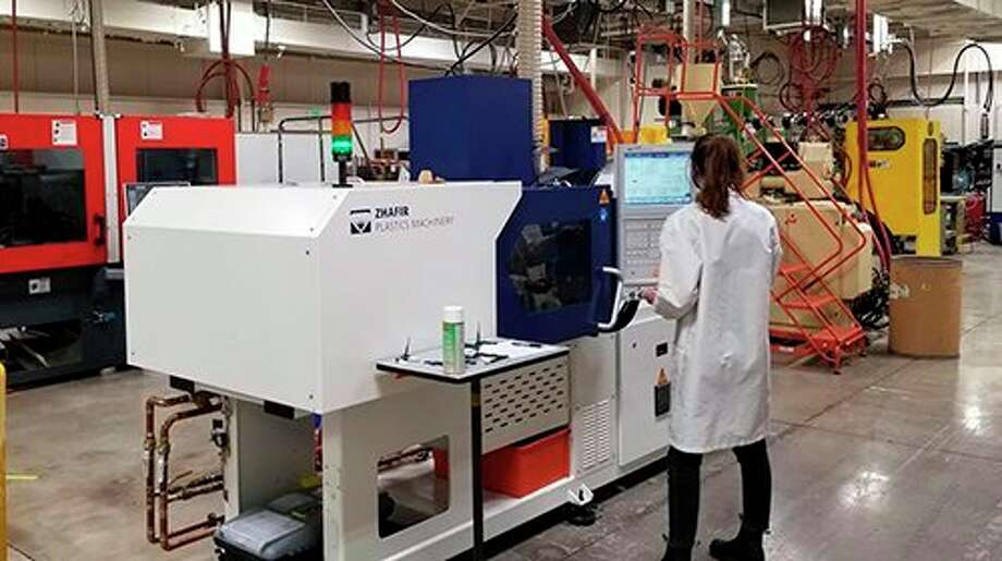 A seventh injection-molding machine became available in the Plastics Engineering Technology laboratory during the Fall 2020 semester in Ferris State University's National Elastomer Center. The unit was provided on consignment by Absolute Haitian, the Chinese company's American distributor. (Photo courtesy of Tom Van Pernis)