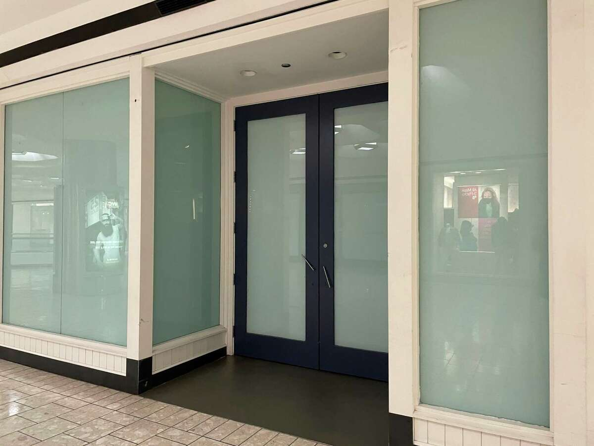 American Eagle Outfitters Vacated Stamford January 2021