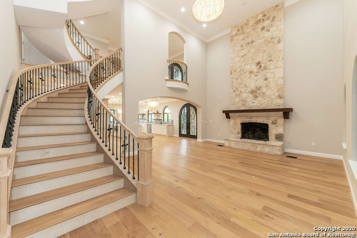 These custom homes are also found in surrounding areas such as Spring Branch, Boerne, Helotes, New Braunfels and Canyon Lake.
