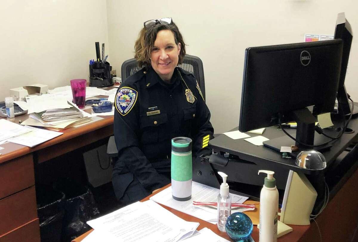 Middletown Police Lt. Heather Desmond retired Jan. 1 after over a quarter-century on the force.