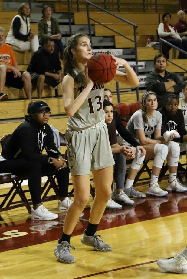 TAMIU's Clara Fernandez scored a career-high 23 points Monday while adding six rebounds, four assists and five steals in a 97-67 victory at home over Kentucky State. Photo: Courtesy /TAMIU Athletics File