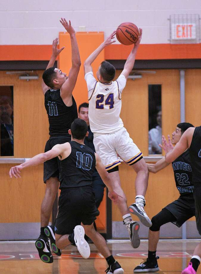 LBJ hosts United South at 7 p.m. Tuesday as the Wolves search for their first district win and the Panthers aim to stay unbeaten in league play. Photo: Cuate Santos /Laredo Morning Times / Laredo Morning Times