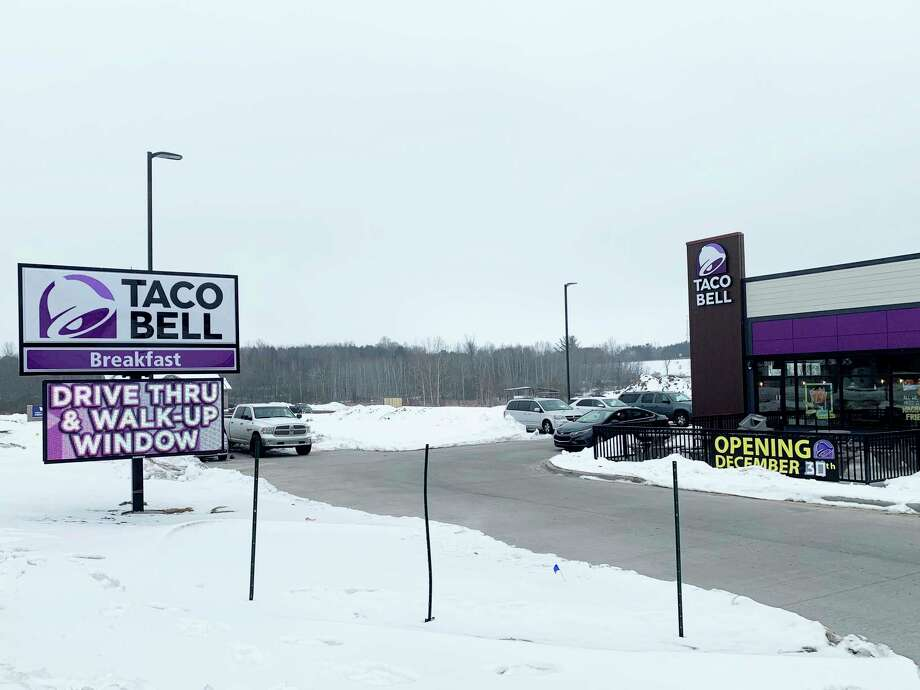 The new Taco Bell location in Reed City has been busy since opening its door. Although current restrictions prevent indoor dining due to the COVID-19 pandemic, the store is offering customers drive-thru and walk-up services. Store hours are from 9 a.m. to midnight, Sunday through Thursday, and 9 a.m. to 1 a.m., on Friday and Saturday. Taco Bell is located on 220th Avenue in Reed City. (Pioneer photo/Cathie Crew)
