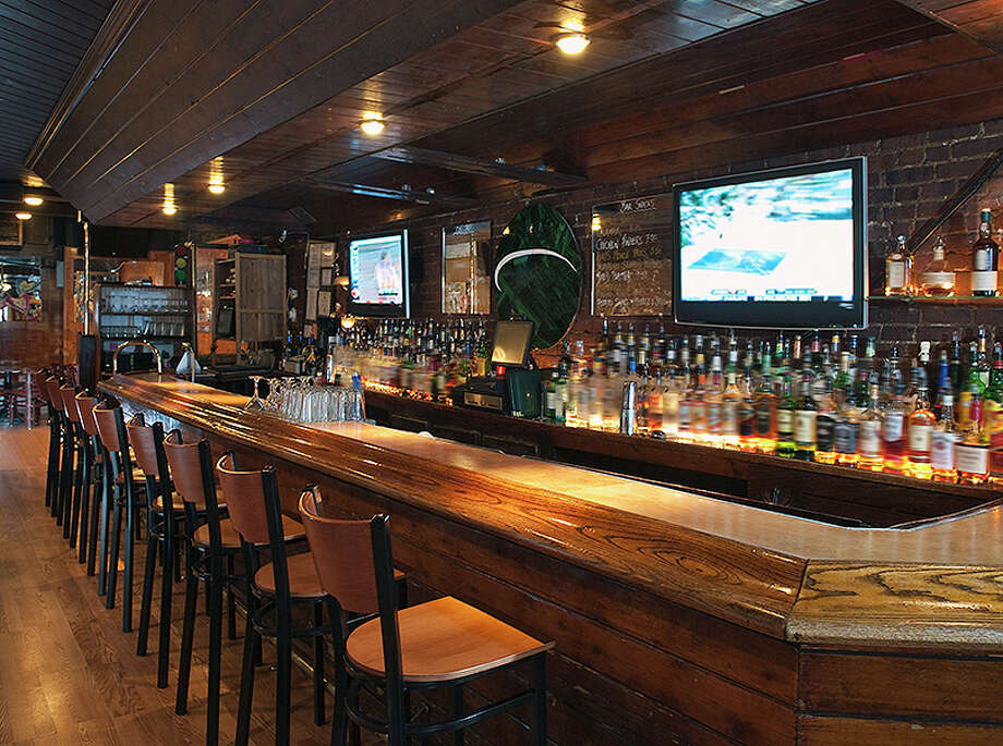 Bars across Illinois have been closed for inside service since Nov. 20, when pandemic restrictions were tightened. Jacksonville is waiving license fees for bars and some other impacted businesses for six months to help them financially. Photo: Tetra Images
