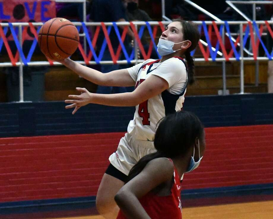 The 24th-ranked Plainview Lady Bulldogs topped Amarillo Tascosa 69-62 in a District 3-5A girls basketball game on Tuesday in the Dog House. Photo: Nathan Giese/Planview Herald