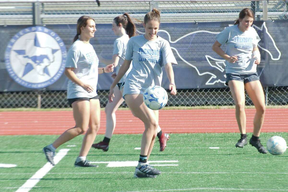 Bailey Havens, practicing ball control, is one of nine returning starters for Friendswood, which is the District 22-5A title favorite this season.
