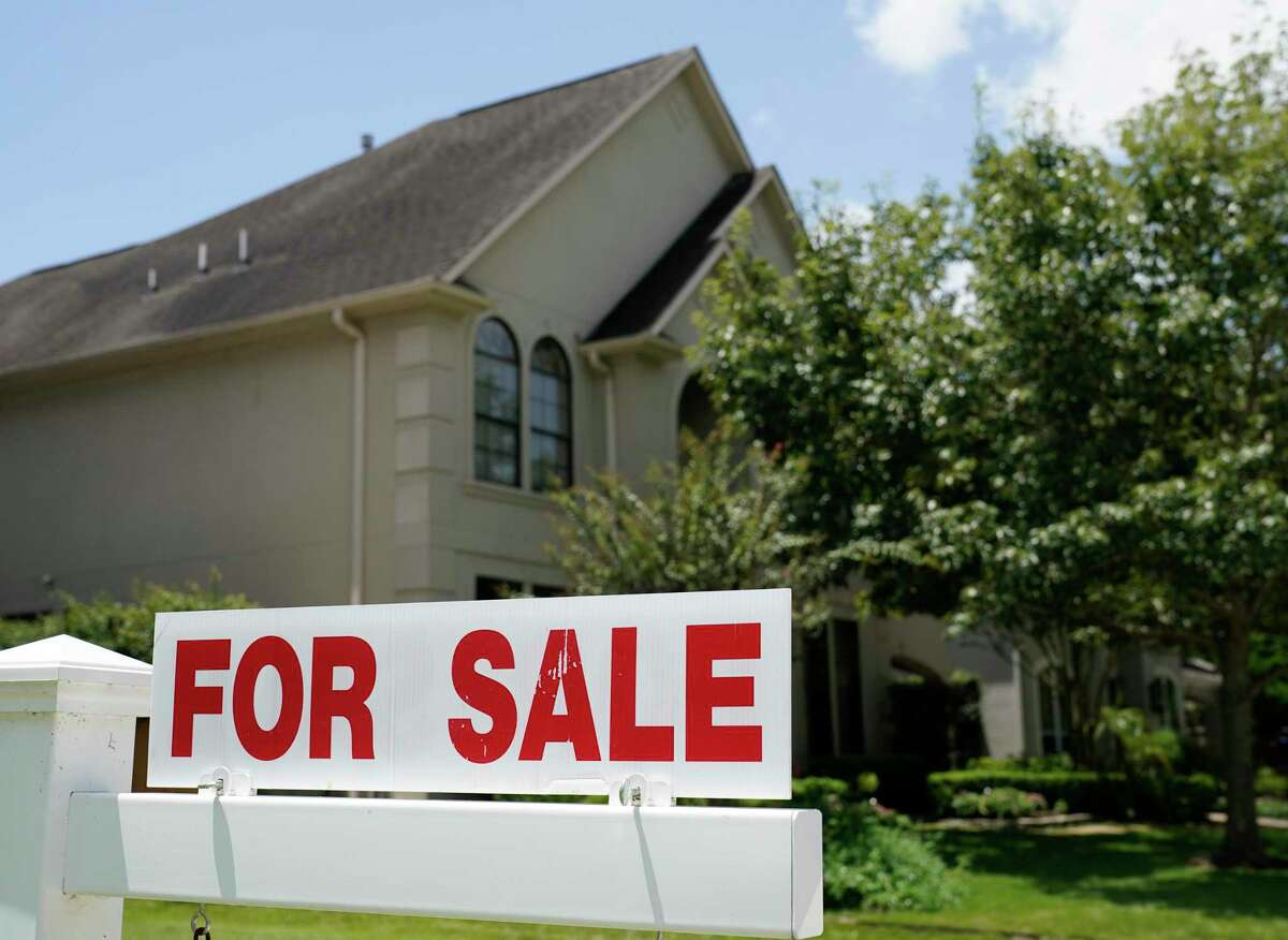 Single-family homes sold for a median price of $273,443 in December, up 8.7 percent from a year earlier and an all-time high, according to HAR.