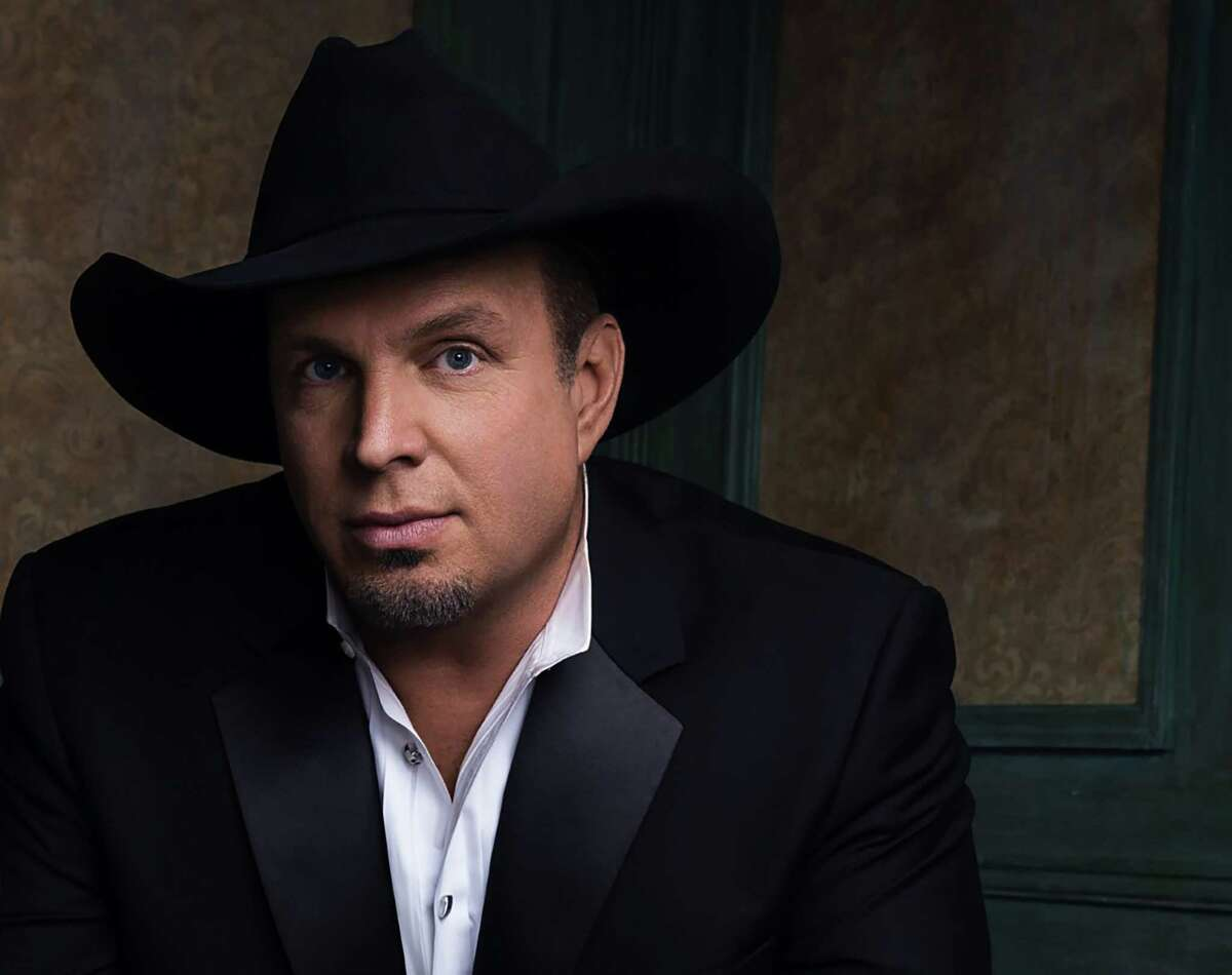Garth Brooks says sitting next to fellow honorees is the real honor.