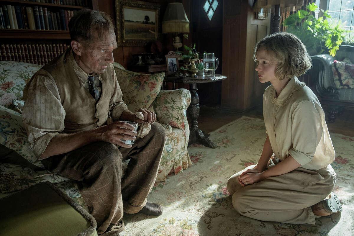 Ralph Fiennes and Carey Mulligan in
