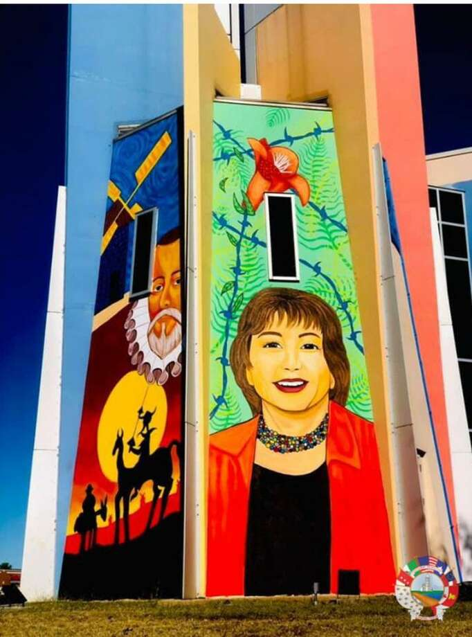 A mural is pictured at the Joe A. Guerra Public Library in District V. Photo: Courtesy / The City Of Laredo