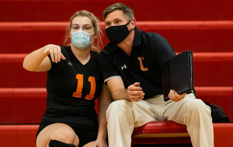 Ubly volleyball coach Aaron Mueller said his Bearcats won't have as much depth next season with the departure of seven seniors, but the team will feature some promising new players as well as returning key players like Lindsey Guza and Nora Franzel. (Tribune File Photo) / Kaitlin's Klicks
