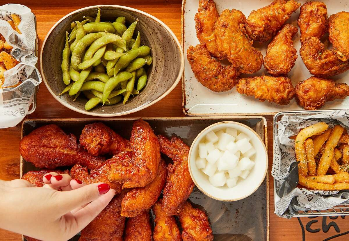 Korean fried chicken brand Bonchon has opened in Midtown.