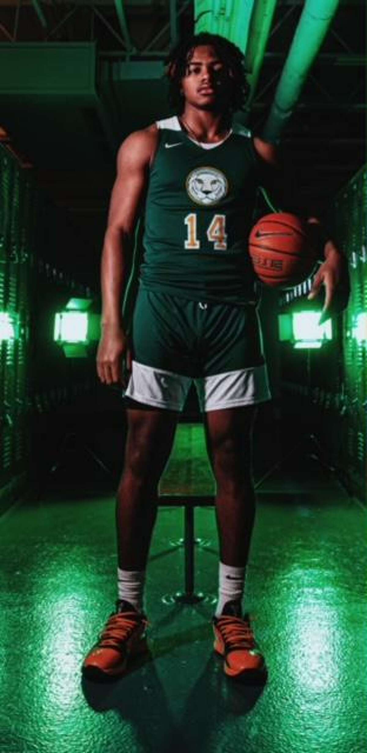 Corey Floyd Jr., a 6-foot-4 guard out of Roselle Catholic in New Jersey, became UConn's first Class of 2022 commit on Thursday night.
