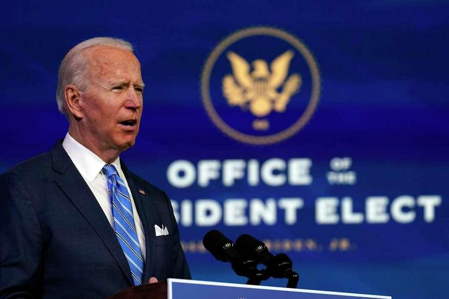 El presidente electo Joe Biden habla sobre la pandemia de COVID-19 durante un evento en el teatro The Queen, el jueves 14 de enero de 2021, en Wilmington, Delaware. Photo: Matt Slocum /Associated Press / Copyright 2021 The Associated Press. All rights reserved