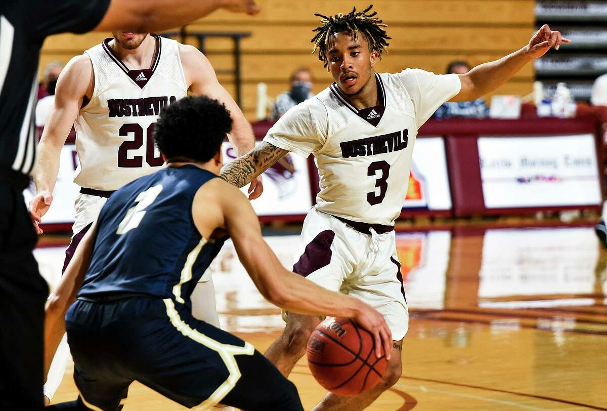 Anthony Scott and the TAMIU Dustdevils fell to No. 13 St. Edward's at home Thursday.
