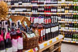Covid-era alcohol sales by the numbers Many shopping habits and trends have emerged since the start of the coronavirus pandemic, not the least of which is a significant spike in alcohol purchases. Nationally, Nielsen found a 54% increase in alcohol sales during the week ending March 21, 2020, over the same week in 2019. Meanwhile, online sales during the same period jumped 262% from 2019. To analyze trends in alcohol purchases throughout the pandemic, online grocery ordering and delivery company Mercato looked at data on orders placed between March 22 and July 31, 2020. The study looked at a total of 15,002 total orders of alcohol, a representative sample for total alcohol order activity on the platform with a margin of error of