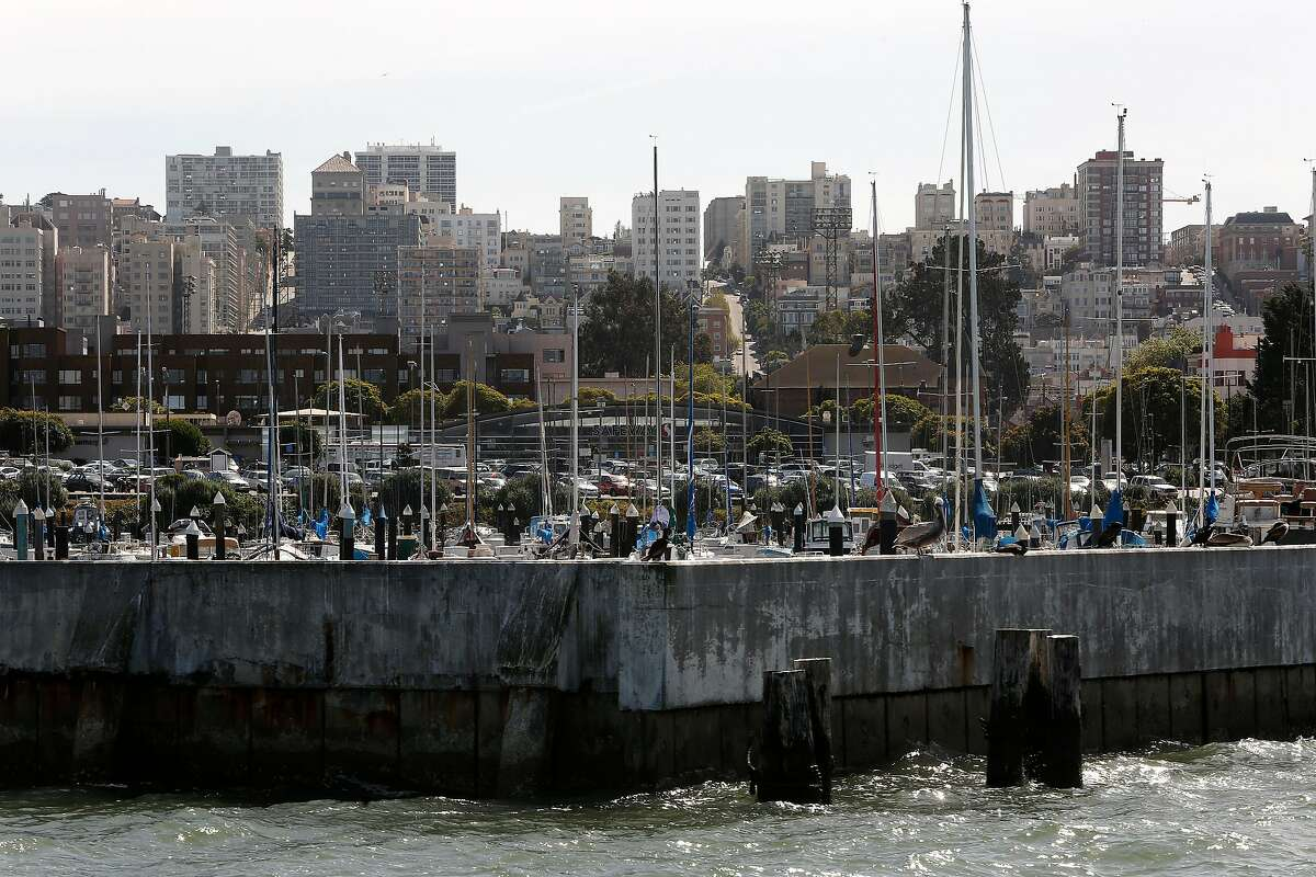 Pacific Gas and Electric Co. will pay as much as $190 million for the cleanup and rejuvenation of Gashouse Cove, San Francisco's oldest recreational marina, to settle a decades-old legal dispute over pollution from a former coal gasification plant.