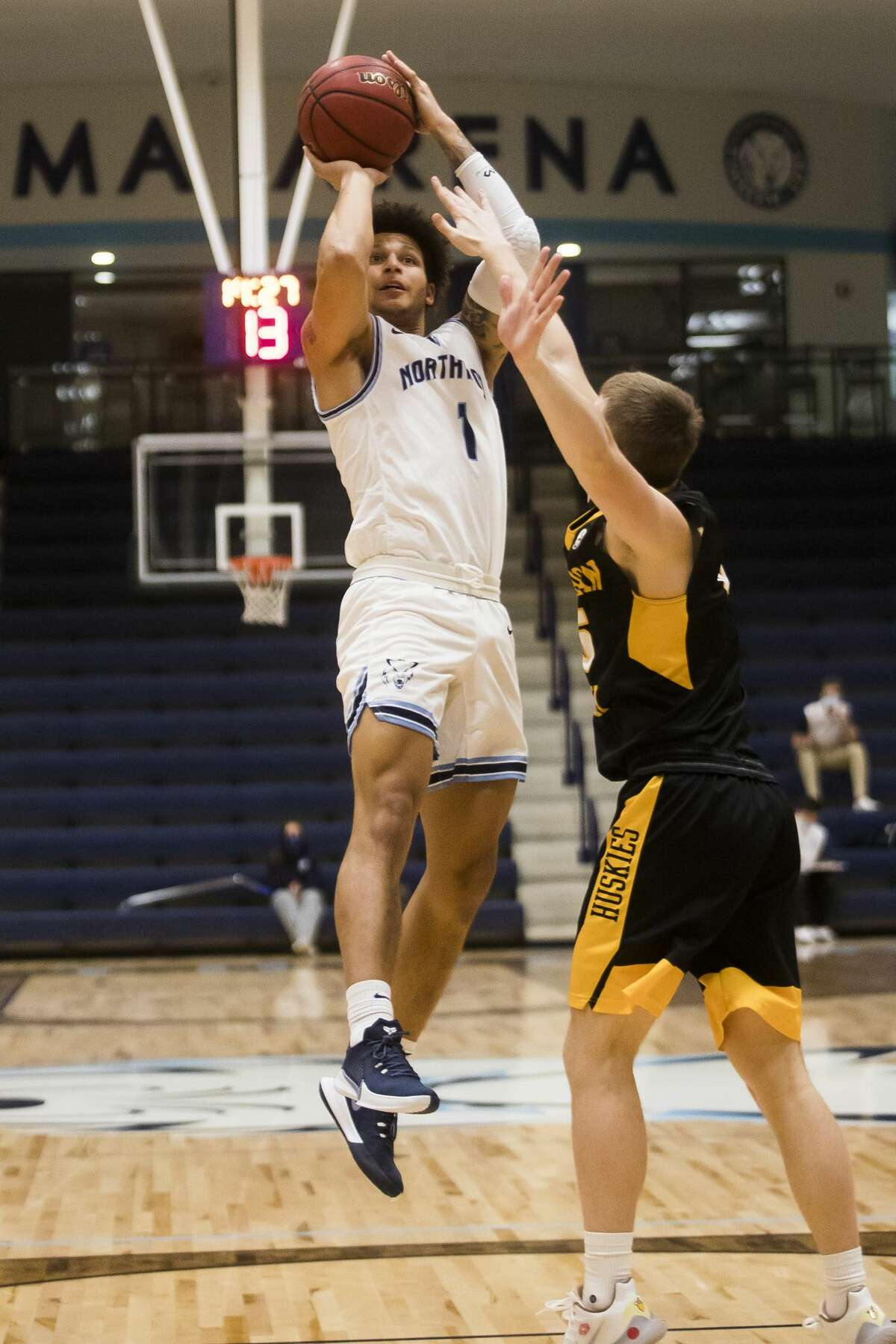 Northwood's Evan Lowden takes a shot during the Timberwolves' game against Michigan Tech Friday, Jan. 15, 2021 at Northwood University. (Katy Kildee/kkildee@mdn.net)