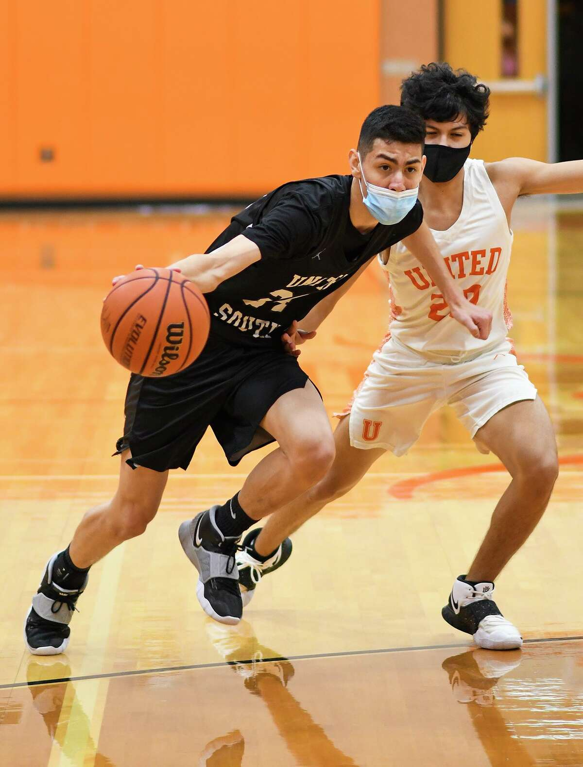 Raul Pedraza scored 19 points as United South defeated United on Friday.