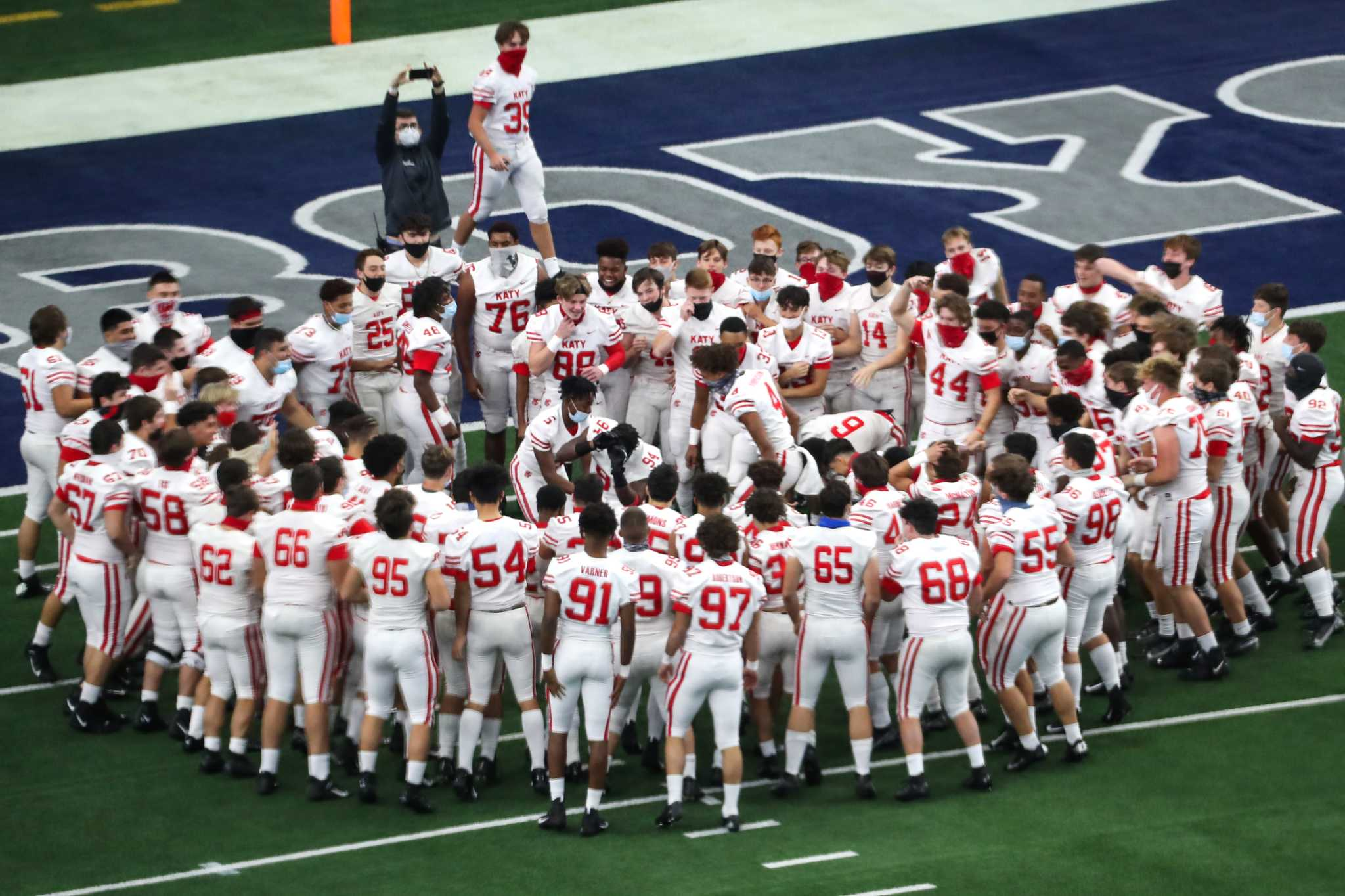 Katy dominates Cedar Hill to win ninth state title