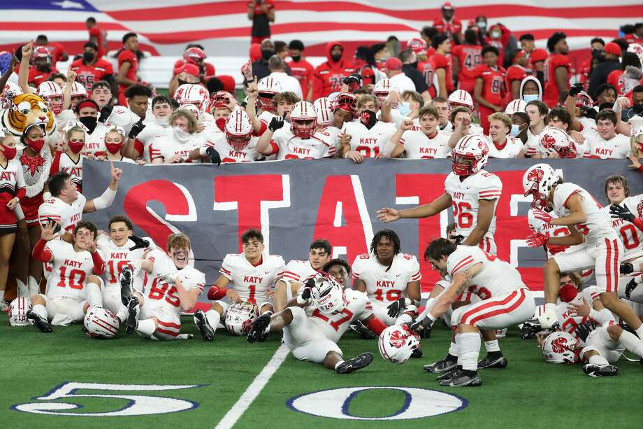 The Katy football team celebrates their 51-14 win over Cedar Hill to capture the Class 6A Division II UIL State Championship at AT&T Stadium Saturday, Jan. 16, 2021, in Arlington, Texas. Photo: Brett Coomer/Staff Photographer / © 2021 Houston Chronicle