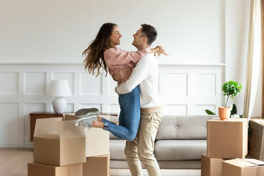 Before you start the process of finding your home make sure to know the differences between what a REALTOR® will do for you and what a listing website will. Photo: Getty Images