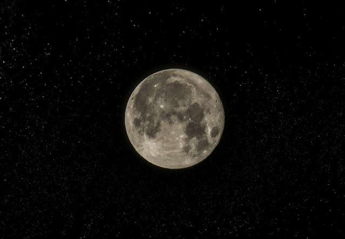 Winter wolf moon