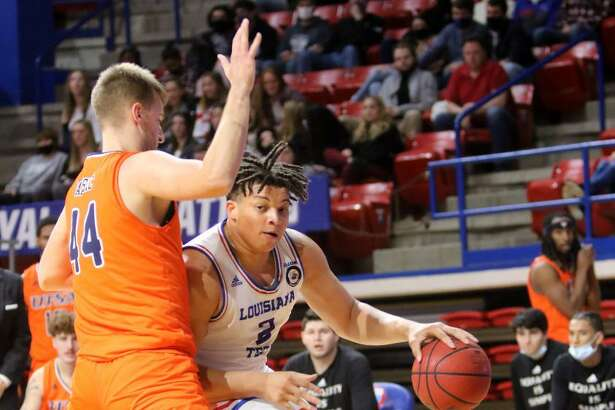 Port Arthur native Kenneth Lofton Jr. posted his third double-double of the season against UTSA.