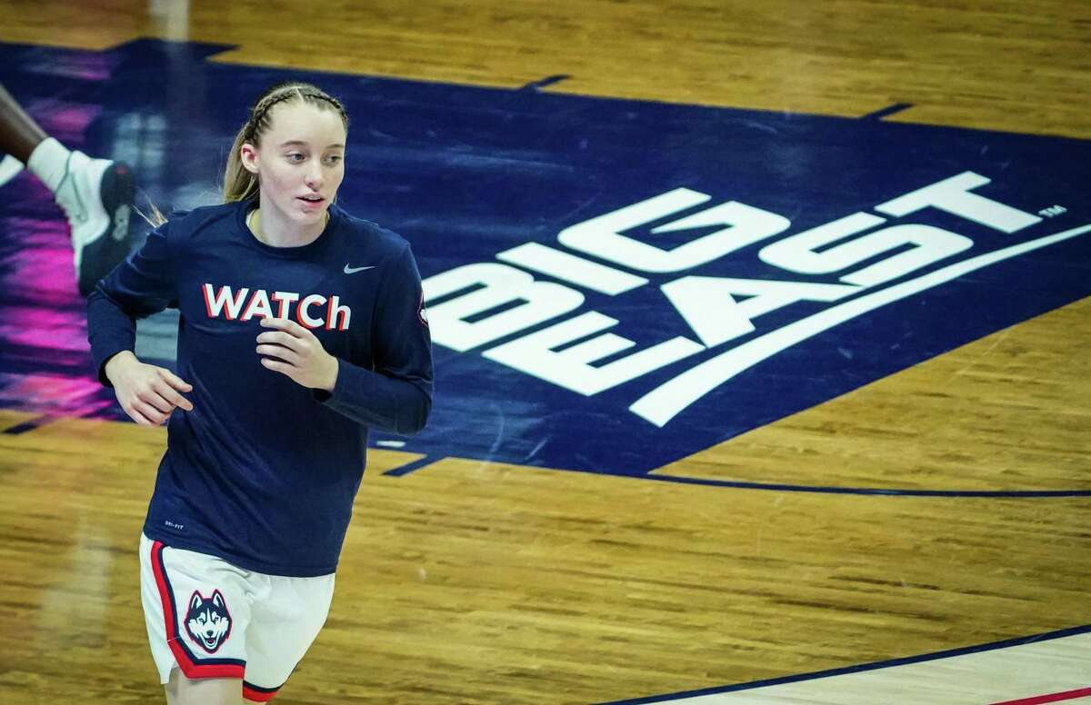 Jan 19, 2021; Storrs, Connecticut, USA; UConn Huskies guard Paige Bueckers (5) warms up before the start of the game against the Butler Bulldogs at Harry A. Gampel Pavilion. Mandatory Credit: David Butler II-USA TODAY Sports