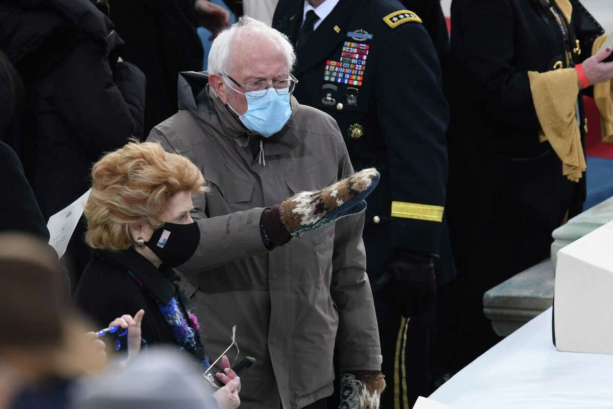 US Senator Bernie Sanders arrives for the inauguration of Joe Biden as the 46th US President on January 20, 2021, at the US Capitol in Washington, DC. (Photo by OLIVIER DOULIERY / AFP)