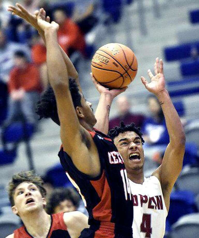 Dakarai Allen (4) puts up a shot for Joplin High School last season against Springfield Central. Allen signed to play this season for Lewis and Clark Community College. The delayed season is scheduled to begin Feb. 1 for the Trailblazers. Photo: Laurie Sisk, Joplin Globe Photo