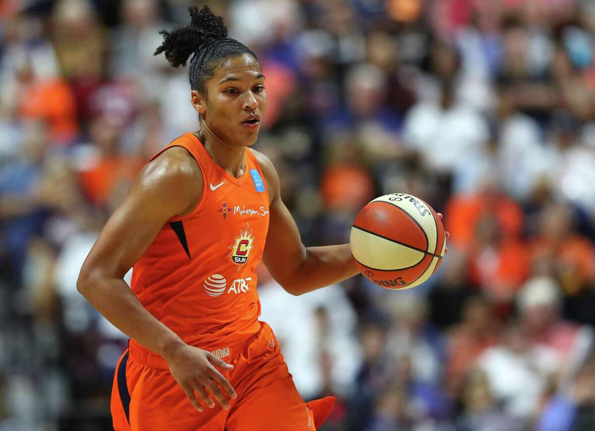 Alyssa Thomas of Connecticut Sun drives down court during Game 4 of the 2019 WNBA Finals between the Washington Mystics and Connecticut Sun at Mohegan Sun Arena on Oct. 8, 2019 in Uncasville, Connecticut. Thomas underwent successful surgery on her Achilles' Tendon on Tuesday the team announced on Wednesday.