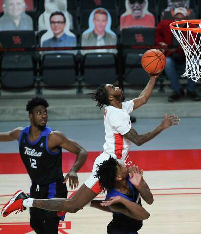 Houston Cougars guard DeJon Jarreau (3) goes for a lay up during the first half of the AAC game against the Tulsa Golden Hurricane Wednesday, Jan. 20, 2021, at Fertitta Center in Houston. Photo: Yi-Chin Lee, Staff Photographer / © 2021 Houston Chronicle