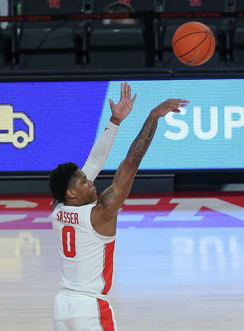 Houston Cougars guard Marcus Sasser (0) aims for the basket during the first half of the AAC game against the Tulsa Golden Hurricane Wednesday, Jan. 20, 2021, at Fertitta Center in Houston. Photo: Yi-Chin Lee, Staff Photographer / © 2021 Houston Chronicle