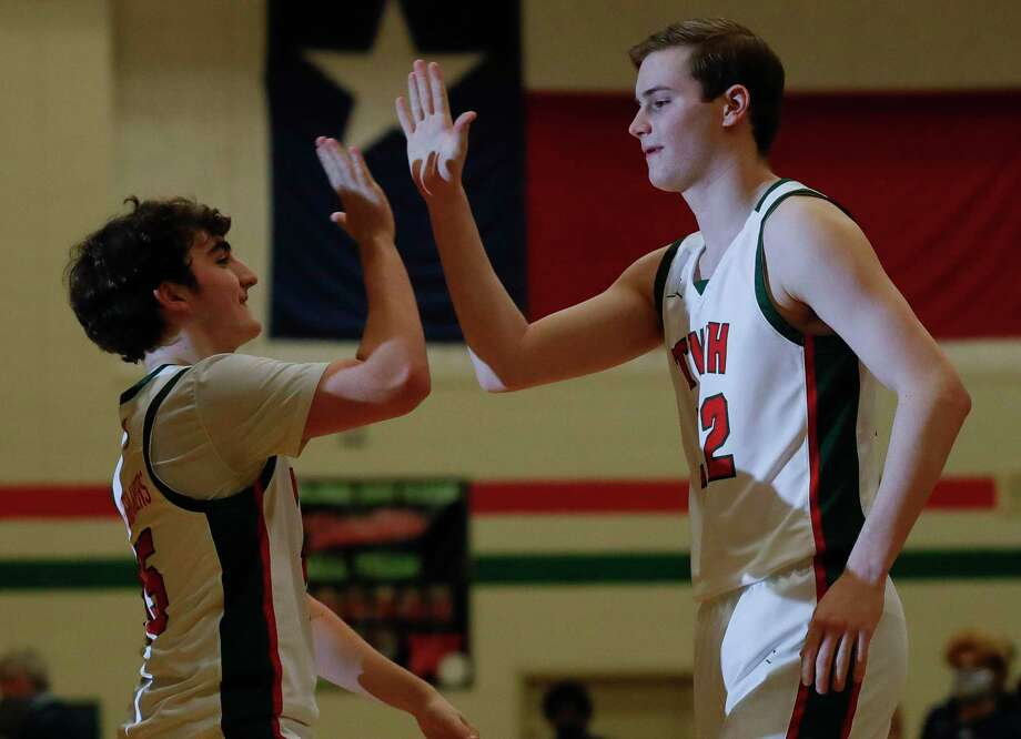 FILE PHOTO — The Woodlands' Brock Luechtefeld, right, scored 11 points during the Highlanders' victory over Conroe on Wednesday. Photo: Jason Fochtman, Houston Chronicle / Staff Photographer / 2021 © Houston Chronicle