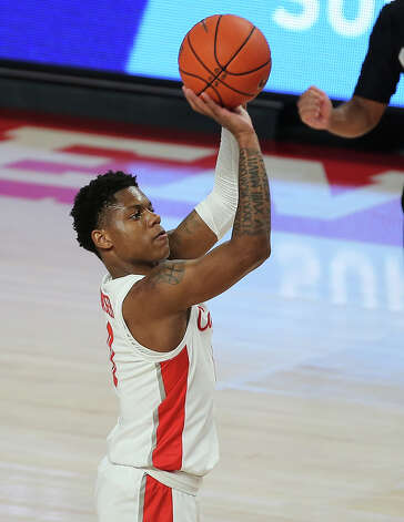Houston Cougars guard Marcus Sasser (0) throws a free throw during the first half of the AAC game against the Tulsa Golden Hurricane Wednesday, Jan. 20, 2021, at Fertitta Center in Houston. Photo: Yi-Chin Lee, Staff Photographer / © 2021 Houston Chronicle