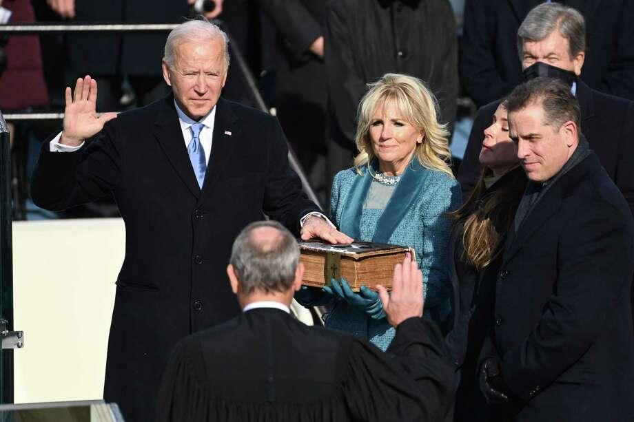 Joe Biden al asumir la presidencia de Estados Unidos frente al Capitolio en Washington, el 20 de enero del 2021. Photo: Pool /Getty Images / 2021 Getty Images