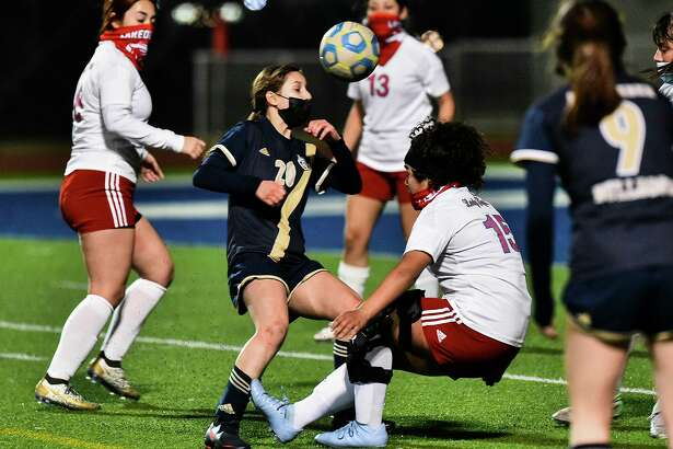 Andrea Garza led the way with five goals Wednesday in Alexander's 16-0 win at Rio Grande City.