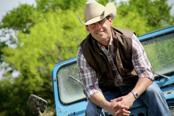 Aaron Watson will play at the Whitewater Amphitheater on June 4.